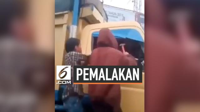 Beredar video aksi pemalakan di Simpang Macan Lindungan, Palembang.