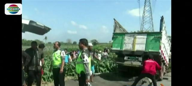 Hendak berangkat sekolah, seorang pelajar di Klaten tewas setelah terseret truk pasir yang hilang kendali.