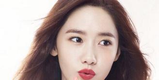 Pastinya kalian sudah tidak asing dengan Yoona, ia adalah salah satu personel dari girlband korea Girls Generation. (via instagram@yoona__lim)