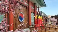 Kampung Korea di Kiara Artha Park. (dok. instagram.com/jenn_yeonna/ https://www.instagram.com/p/B1cl70NBKaL/Novi Thedora)