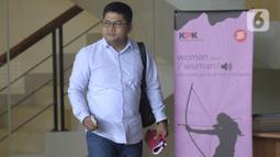Kepala Sekretariat DPP PDIP, Yoseph Aryo Adhi Darmo usai menjalani pemeriksaan penyidik di Gedung KPK, Jakarta, Kamis (13/2/2020). Yoseph Aryo Adhi Darmo diperiksa sebagai saksi terkait kasus dugaan penerimaan hadiah atau janji penetapan anggota DPR Terpilih 2019-2024. (merdeka.com/Dwi Narwoko)