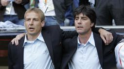 Prestasi duet Klinsmann dibuktikan dengan menjadi semifinalis di dua ajang, Piala Konfederasi 2005 dan Piala Dunia FIFA 2006. Jerman pun berhasil merebut posisi ke-3 di dua ajang tersebut. (AFP/Oliver Lang)