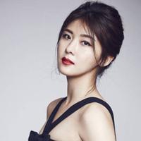 Selain pandai berakting, Ha Ji Won ternyata berhati mulia. Ia pernah menyumbangkan keuntungan dari penjualan bukuknya yang berjudul This Moment ke lembang sosial. (Foto: allkpop.com)