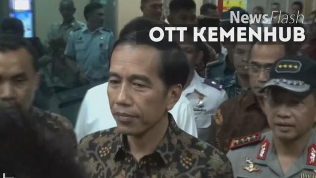 Presiden Joko Widodo (Jokowi) datang langsung ke Kementerian Perhubungan saat Polri melakukan penangkapan terhadap pelaku pungutan liar (pungli). Hal ini mengundang berbagai respon dari publik, sebagian menganggap sikap Presiden berlebihan.