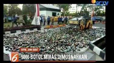 Pemkot Depok musnahkan 5 ribu botol miras hasil razia Satpol PP selama sebulan terakhir.