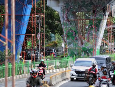 Mural Aneka Rupa Hiasi Jalan Layang Pesing Jakarta
