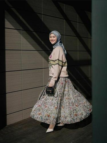 6 Inspirasi Hijab Outfit ala Indah Nada Puspita
