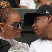 Selama masa kehamilan anak kembarnya ini, Beyonce selalu mengabadikannya dengan melakukan photo shoot dengan berbagai gaya. Memamerkan perut buncitnya di depan kamera, tampilan Beyonce tetap menawan. (AFP/Bintang.com)