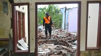 Longsor Jatiluhur, Desa Padangjaya Kecamatan Majenang Kabupaten Cilacap merusak sebanyak 24 rumah dan menyebabkan seratusan lebih jiwa mengungsi. (Foto: Liputan6.com/Muhamad Ridlo)