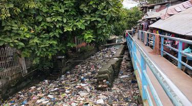 Anak Sungai Musi Tertutup Sampah, Wako Palembang : Bukan Sampah Warga Kami