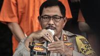 Kapolda Metro Jaya Irjen Pol Nana Sudjana menyampaikan keterangan saat konferensi pers kasus pembunuhan pengusaha pelayaran Sugianto (51) di Mapolda Metro Jaya, Jakarta, Senin (24/8/2020). Polisi membekuk 12 tersangka pembunuhan Sugianto di Royal Square Kelapa Gading. (merdeka.com/Iqbal S. Nugroho)