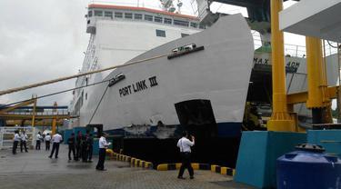 Kondisi Kapal Port Link usai menabrak Dermaga III Pelabuhan Merak