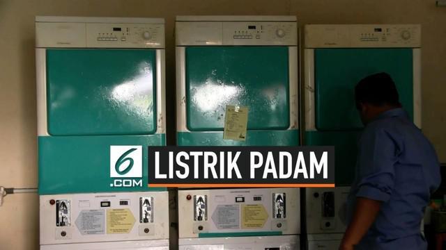 Listrik padam di sebagian besar wilayah Pulau Jawa menyebabkan kerugian khususnya bagi kalangan pengusaha. Di antaranya dialami pengusaha laundry dan fotocopy di daerah Jakarta Barat.