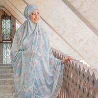 Mengintip koleksi mukena yang sesuai untuk jalani ibadah yang nyaman selama Ramadan (Foto: Tazbiya)