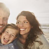 Anak dan suami sama-sama butuh perhatian, mana yang perlu diprioritaskan? (Foto: fshalifax.com)