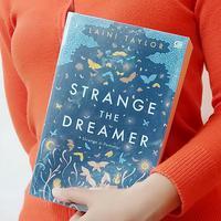 Novel Strange the Dreamer./Copyright Endah