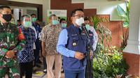 Gubernur Jawa Barat, Ridwan Kamil mendatangi Wisma Makara UI, Kota Depok, Rabu (2/12/2020). (Foto:Liputan6/Dicky Agung Prihanto)