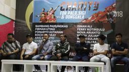 Presiden APPI, Ponaryo Astaman saat jumpa pers Charity for Palu, Sigi dan Donggala di Gedung Kemenpora, Jakarta, Jumat (16/11). APPI, MSG dan Kemenpora akan gelar laga amal untuk Palu, Sigi dan Donggala. (Bola.com/Yoppy Renato)