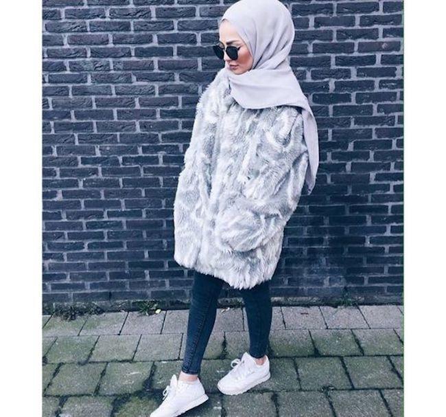 Padu padan busana hijab dengan sweater oversize. (sumber foto: adarkurdish/pinterest)