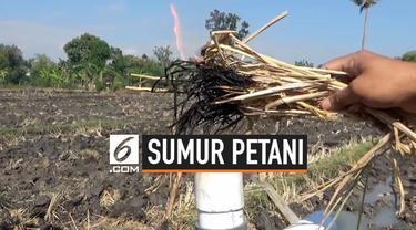Sumur sawah milik petani di Ngawi, Jawa Timur yang belum selesai pengeborannya mengeluarkan gas mudah terbakar.