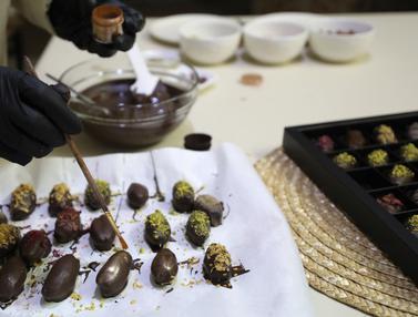 FOTO: Kurma Berlapis Cokelat ala Wanita Palestina