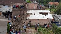 Rumah di Jalan Wukir gang IX A, Kelurahan Temas, Kecamatan Batu, Kota Batu yang menjadi lokasi ledakan. (Fisca Tanjung/JawaPos.com)