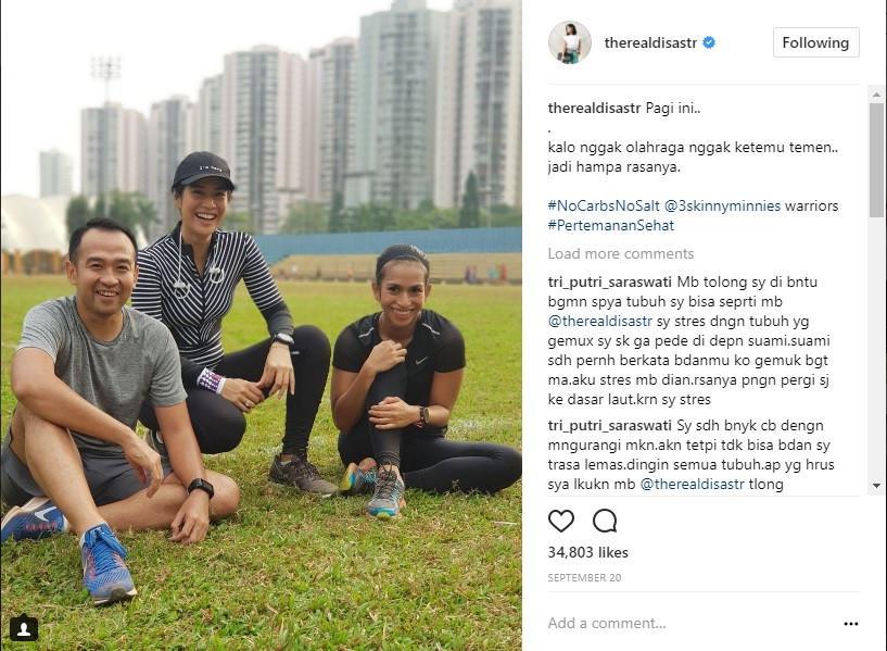 Berolahraga sudah menjadi bagian dari gaya hidup. Agar tak membosankan, simak inspirasi gaya stylish saat mereka berolahraga berikut ini. (Foto: Instagram/ therealdisastr)