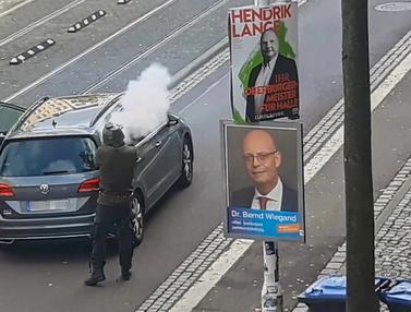 Pelaku Penembakan Sinagoge Jerman Tertangkap Kamera