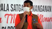 Ketua Satgas COVID-19 Doni Monardo memuji hasil jerih payah Pemprov Sulawesi Barat yang dinilai mampu menekan angka kasus COVID-19 saat memberikan arahan di Mamuju, Sulawesi Barat, Rabu (31/3/2021). (Badan Nasional Penanggulangan Bencana/BNPB)