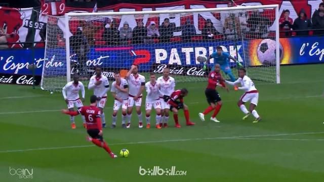 Clement Grenier melesakkan salah satu gol terbaik Liga Prancis pekan ini ketika timnya Guingamp melibas tim tamu Bordeaux, Minggu ...