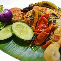 Yuk bikin pepes ayam untuk menu makan siang. (Via: pepesmercon.blogspot.com)