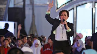 Direktur Programing SCM Harsiwi Achmad menjadi pembicara dalam acara Emtek Goes To Campus (EGTC) 2018 di Universtitas Muhammadyah Malang (UMM), Rabu (26/9). Hari pertama, Harsiwi Achmad menjadi pembicara untuk tokoh inspiratif. (Liputan6.com/Johan Tallo)