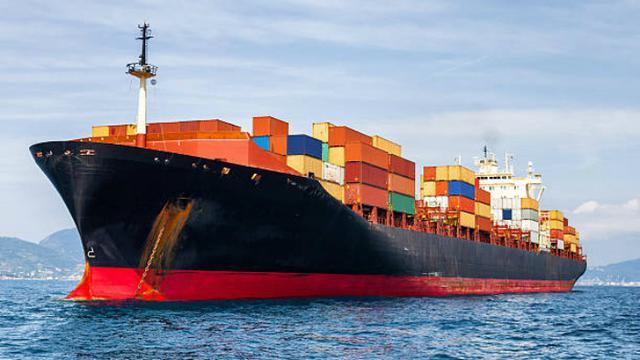 Ilustrasi kapal kargo