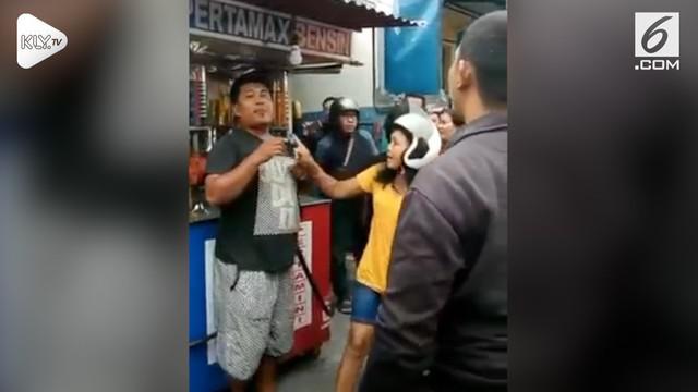 Seorang ibu menggagalkan penculikan anaknya yang masih di bawah umur. Kejadian ini terjadi di Denpasar, Bali.
