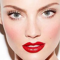 Maksimalkan hasil riasan dengan draping, teknik makeup contour wajah dengan blusher. (Foto: Myfatpocket)