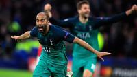 Pemain sayap Tottenham Hotspur, Lucas Moura berselebrasi setelah mencetak gol ke gawang Ajax Amsterdam pada laga kedua semifinalLiga Champions 2018/19 di Stadion Johan Cruyff, Rabu (8/5). Tottenham secara dramatis merebut tiket final Liga Champions setela