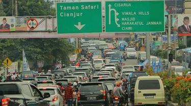 Jalur menuju Puncak, Bogor. (Liputan6.com/Achmad Sudarno)