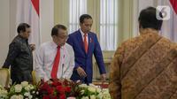 Presiden Joko Widodo tiba menghadiri rapat terbatas di Istana Kepresidenan Bogor, Jakarta, Selasa (4/2/2020). Ratas tersebut membahas kesiapan menghadapi dampak virus Corona. (Liputan6.com/Faizal Fanani)