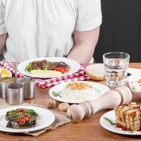 Atur Makanan Selama Berbuka Puasa ataupun Sahur. (Ilustrasi: iStockphoto)
