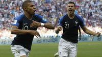 6. Kylian Mbappe (Prancis) - 3 Gol. (AP/David Vincent)