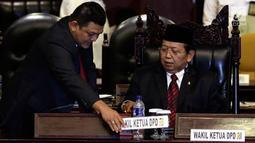 Wakil Ketua DPD terpilih Akhmad Muqowam langsung memimpin Rapat usai sumpah jabatan saat dilantik pada Rapat Paripurna DPD di Kompleks Parlemen Senayan, Jakarta, Kamis (26/7). (Liputan6.com/Johan Tallo)