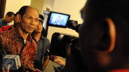"Pengamat kebijakan publik, Ichsanudin Noorsy usai menjadi pembicara dalam diskusi Refleksi Pemerintahan Kabinet Kerja Jokowi-JK 2015 bertajuk ""Benarkah Kabinet Kerja Jokowi-JK Gagal?"" di Jakarta Timur, Kamis (24/12). (Liputan6.com/Helmi Afandi)"