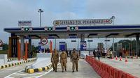Gerbang tol Pekanbaru-Dumai di Provinsi Riau yang mulai difungsikan tapi masih bersifat terbatas. (Liputan6.com/Istimewa/M Syukur)