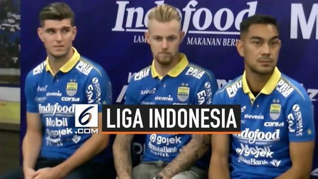 Persib Bandung resmi mengenalkan tiga pemain asing baru, yakni Kevin van Kippersluis (Belanda), Nick Kuipers (Belanda), dan Omin Nazari (Iran) di Graha Persib, Jalan Sulanjana, Kota Bandung, Selasa (20/8/2019).