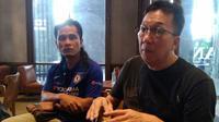 CEO PSS, Soekeno (kanan) bersama Miftah Maulana Habiburohman (Gus Miftah). (Bola.com/Vincentius Atmaja)