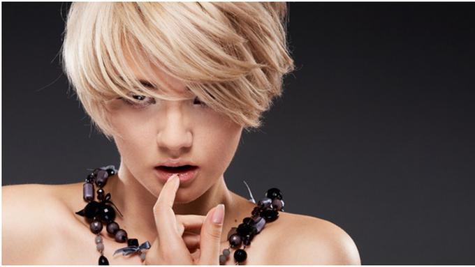 5 Cara Tampil Cantik Dengan Rambut Pendek - Beauty Fimela.com 5612853bcc