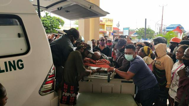 Tenaga medis korban penembakan KKB Papua kritis.