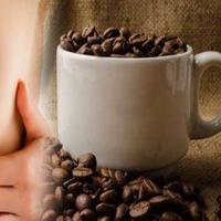 Buat para wanita yang suka mengeluhkan ukuran payudara yang mengecil, bisa jadi hal itu terjadi karena kamu keseringan minum kopi lho. (Foto: newsx.com)