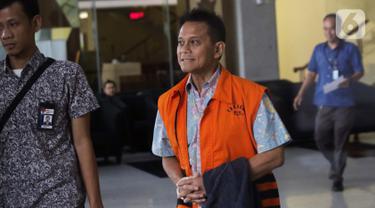 Tersangka kasus dugaan suap pengadaan mesin Rolls-Royce untuk pesawat Airbus milik Garuda Indonesia pada periode 2005-2014, Soetikno Soedarjo usai menjalani pemeriksaan lanjutan di Gedung KPK, Jakarta, Selasa (8/10/2019). (Liputan6.com/Helmi Fithriansyah)
