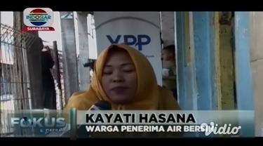 YPP bekerjasama dengan PDAM Surabaya dan USAID IUWASH, melakukan serah terima master meter air bersih kepada warga di permukiman padat penduduk di Surabaya.